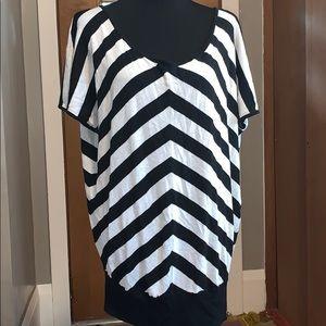 Torrid chevron black and white striped sweater